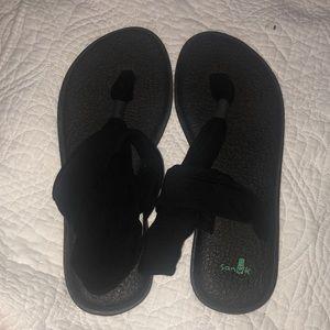 Sanuk yoga sling shoes black size 9
